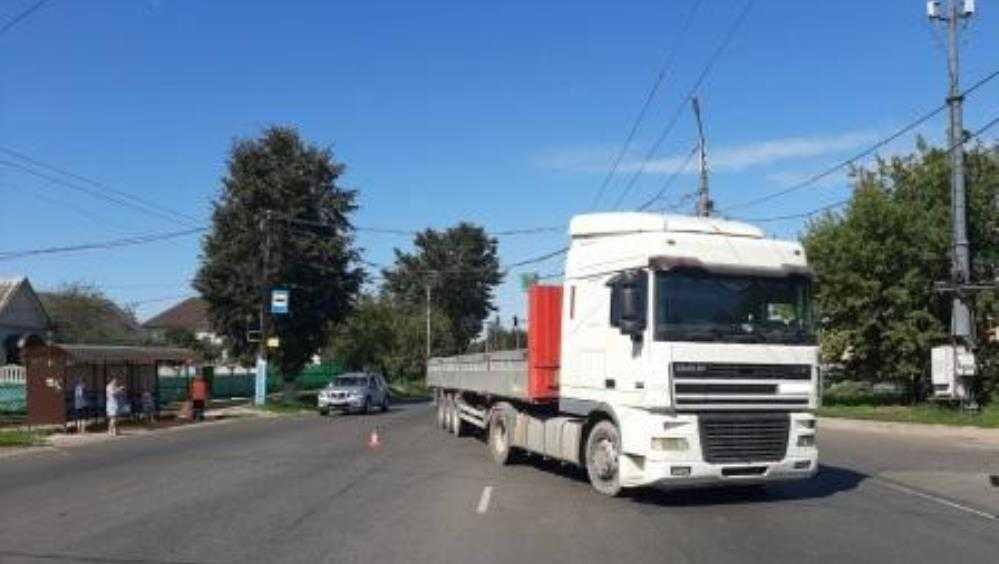 В Брянске грузовик покалечил пенсионерку-нарушительницу