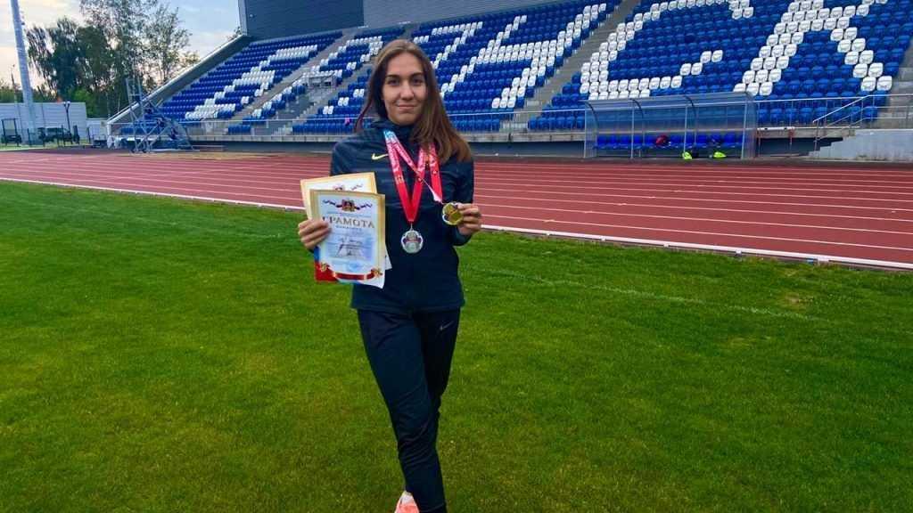 Сотрудница Росгвардии из Брянска победила на соревнованиях округа по легкой атлетике