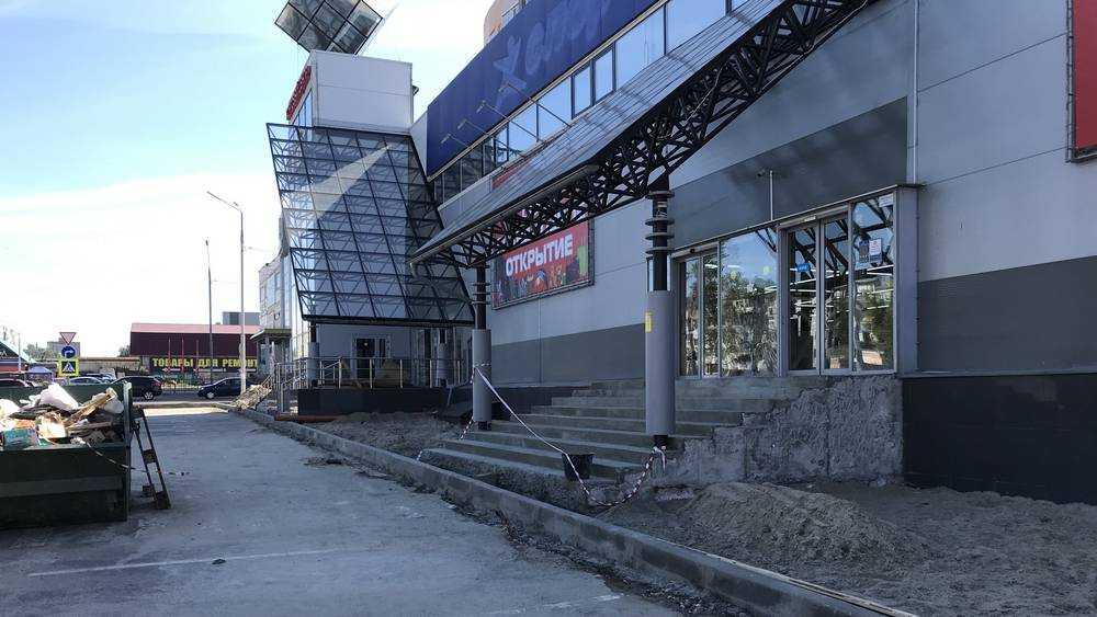 Брянских арендаторов стали завлекать ремонтом торговых зданий