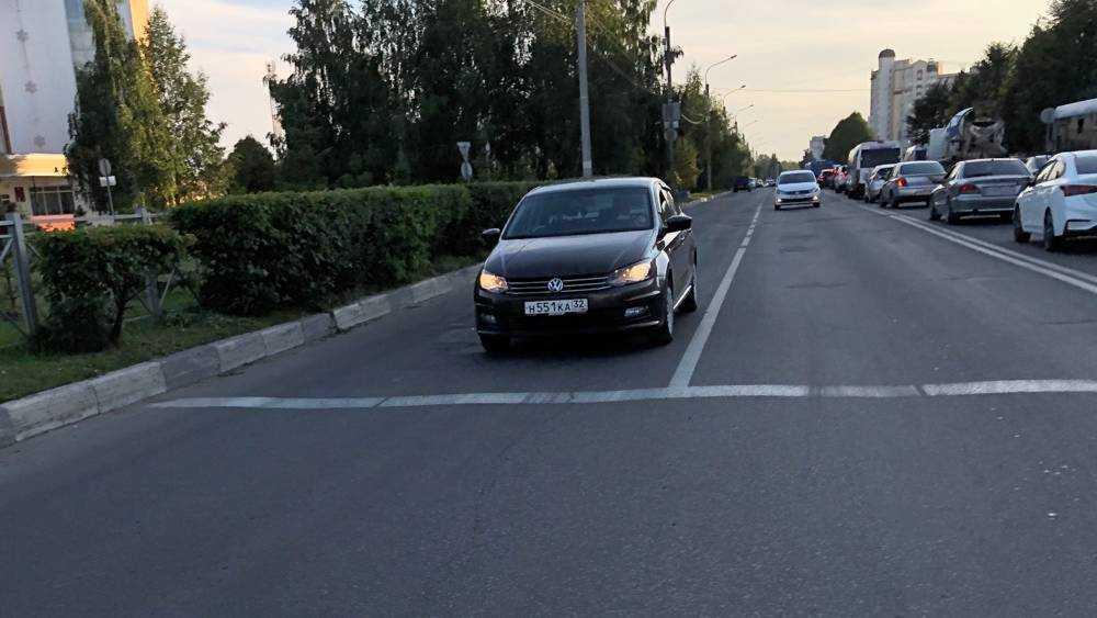 В Брянске из-за ремонта на улице Крахмалева образовалась пробка