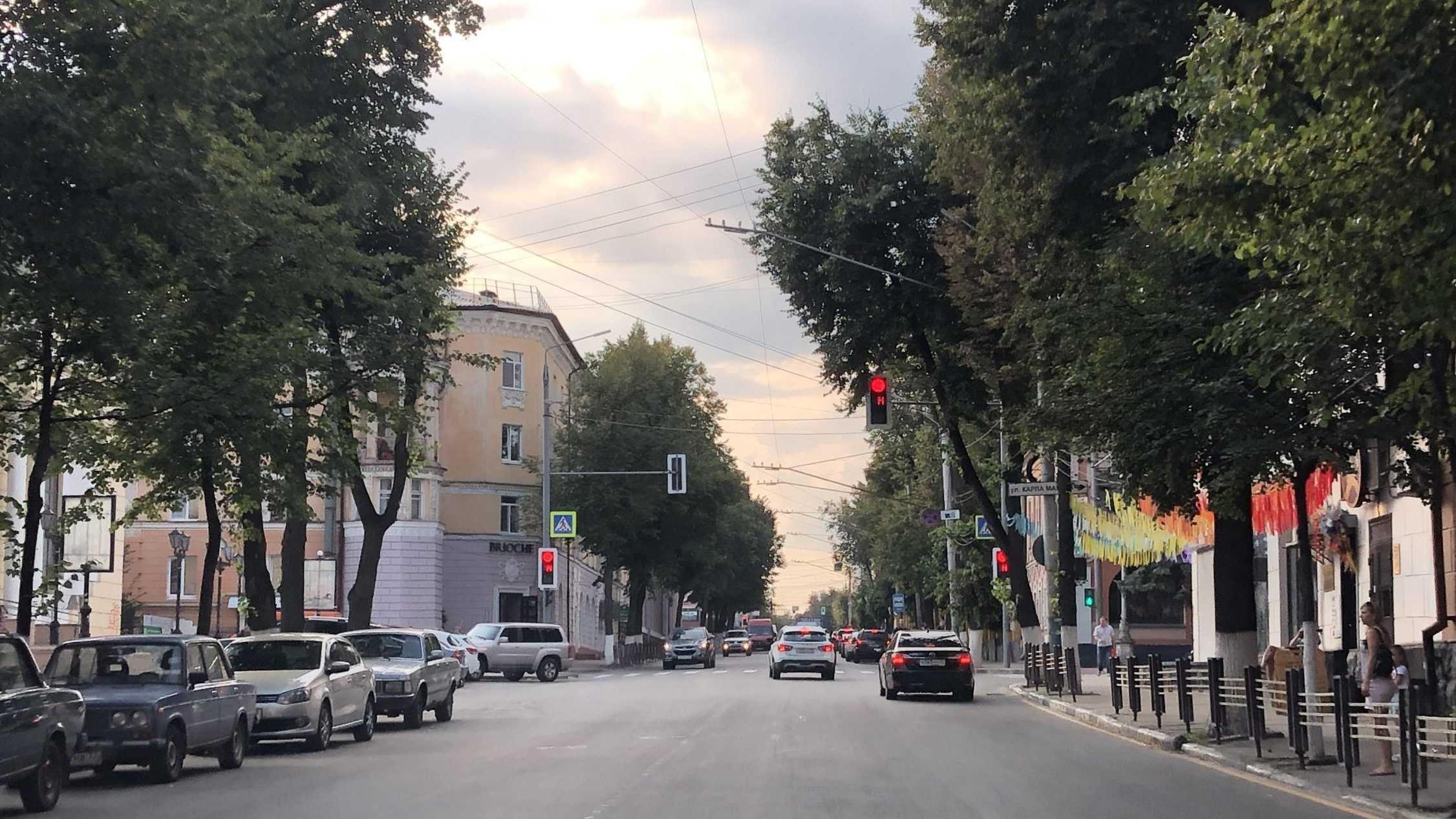 В Брянске заработали новые светофоры на улице Фокина