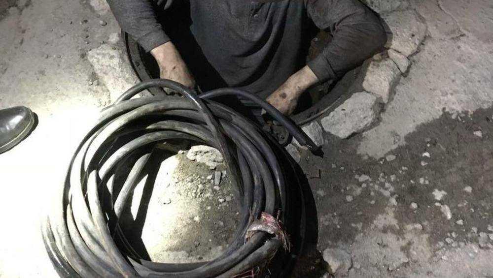 В Брянске вор оставил предприятие без электрокабеля