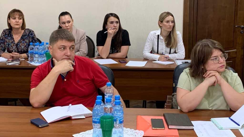 Молодым брянским адвокатам рассказали о тонкостях судебных экспертиз
