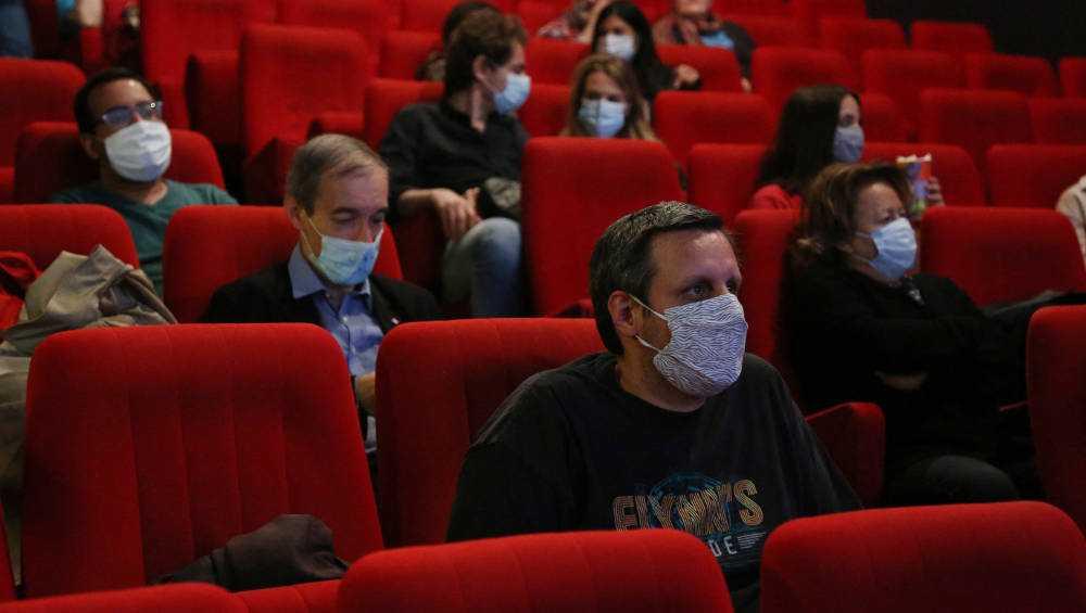 Первые зрители посетили открывшиеся после карантина брянские кинотеатры