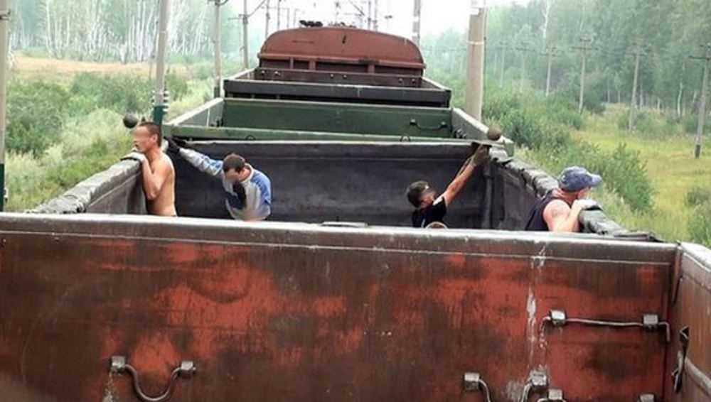 В Выгоничах осудили банду «потрошителей» вагонов с металлоломом
