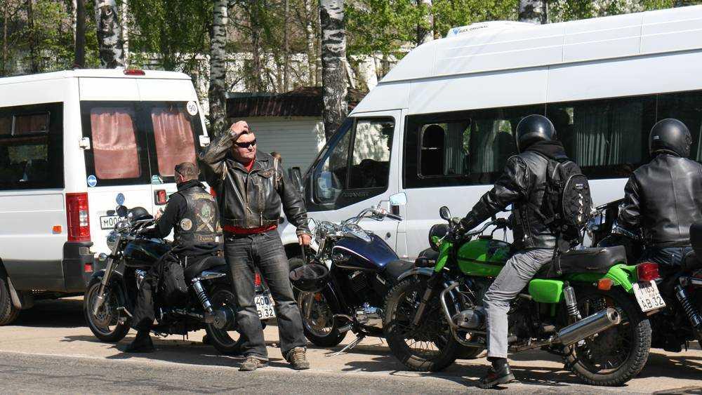 Жителя Брянского района осудили за поджог золотой шины