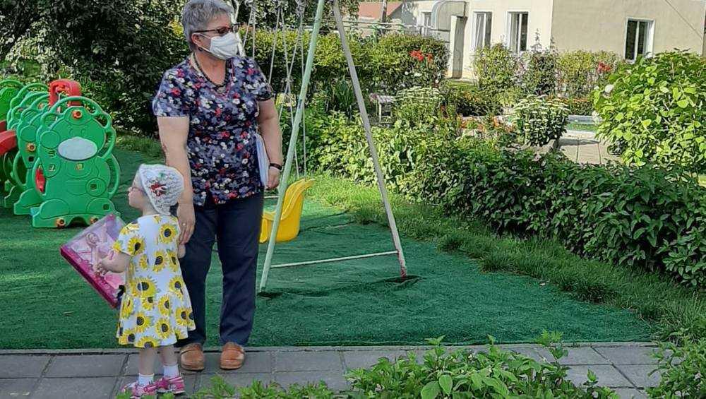 Доведенная до истощения девочка окрепла в брянском Доме ребенка