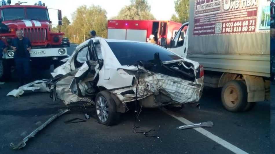 В ДТП под Брянском погиб 47-летний виновник ДТП на Toyota Camry