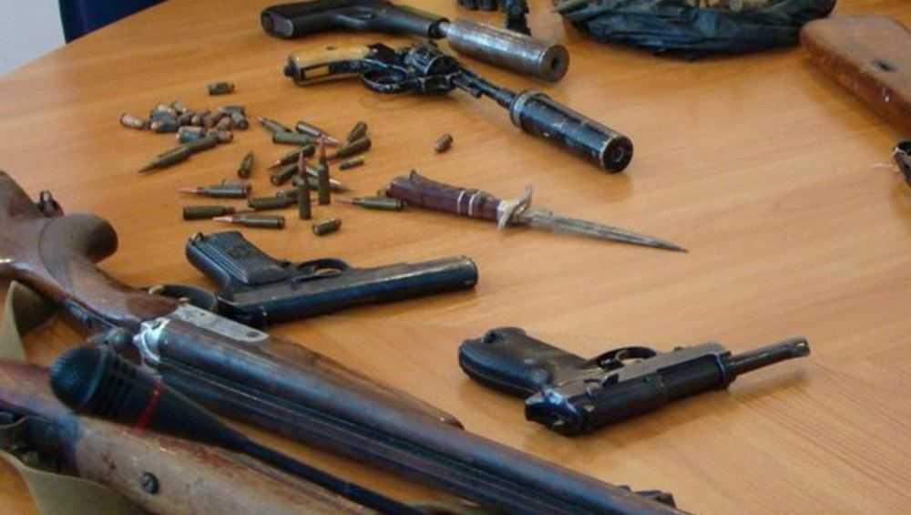 За два дня полиция изъяла у брянцев 11 стволов и 6 клинков