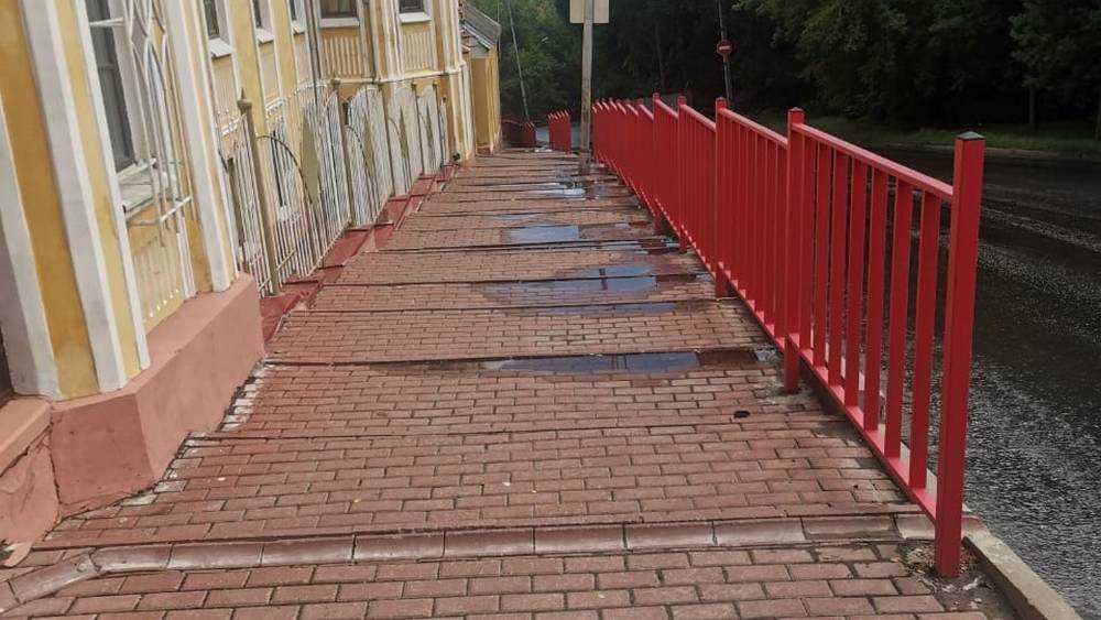 В Брянске построили тротуар для самых сильных