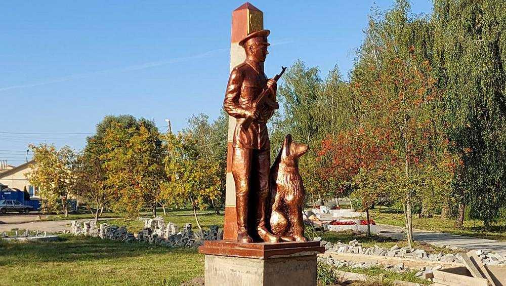 В Брянской области призвали наказать изготовителей памятника пограничникам