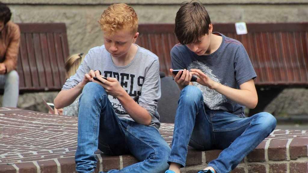Почему люди хотят оставаться незамеченными в социальных сетях