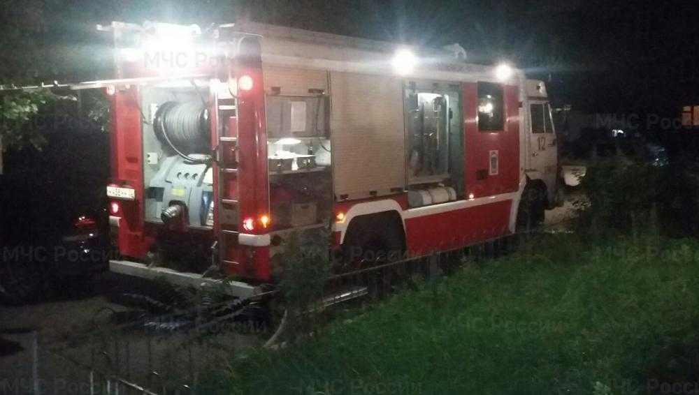 В Брянске при пожаре в пятиэтажке получил травмы один из жильцов