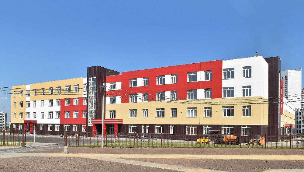 В Брянске 1 сентября 1120 учеников сядут за парты в новой школе № 71