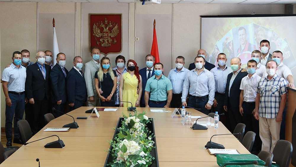Власти Брянска впервые наградили лучших спортсменов города