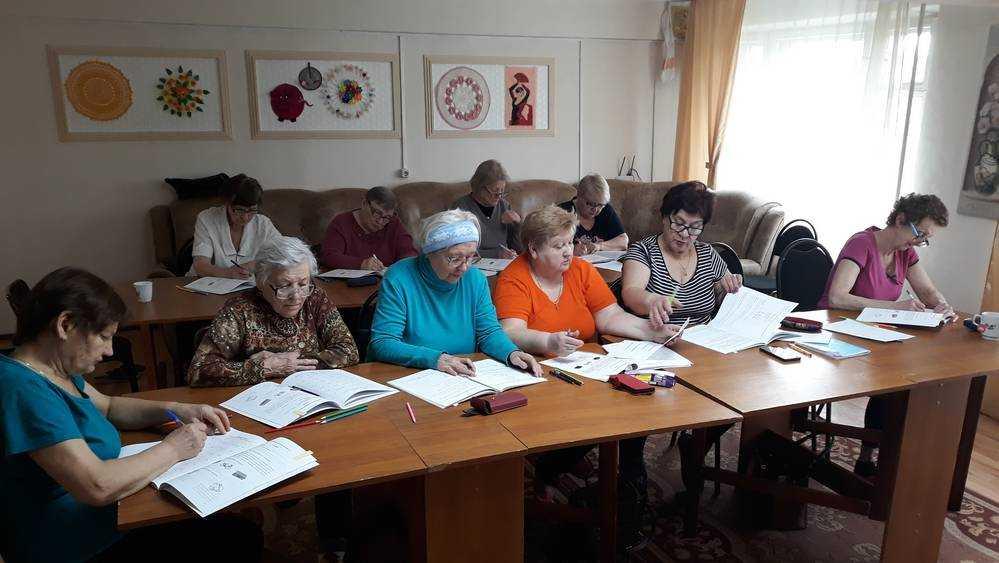 Дятьковские пенсионеры одолели одиночество психологическими тренировками