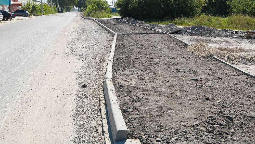 Дорогу на Вокзальной улице в Брянске отремонтировали на 70 процентов