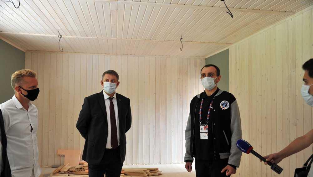 Брянский губернатор Богомаз пообщался с молодежью