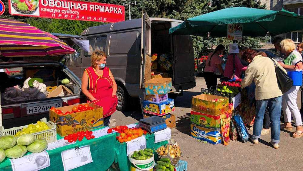Брянцы купили 23 тонны овощей и фруктов на ярмарках выходного дня
