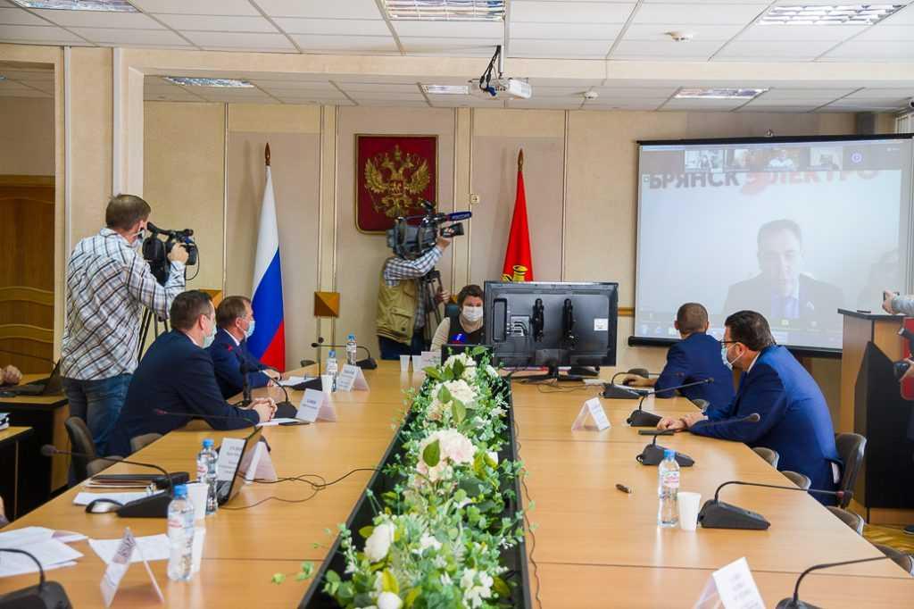 Депутаты горсовета внесли изменения в бюджет Брянска