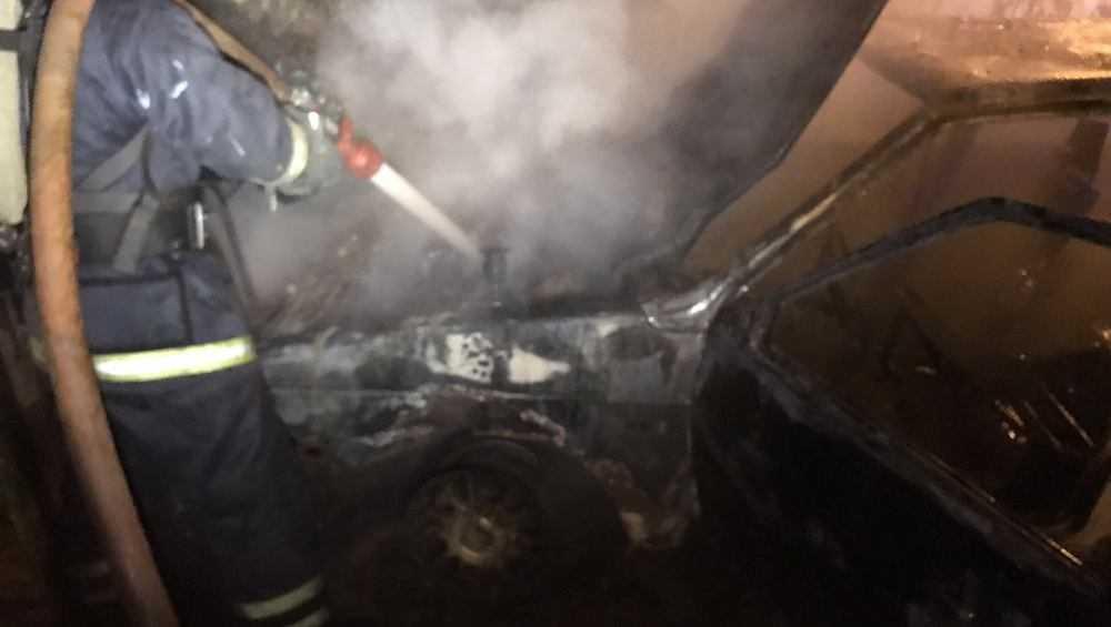 В Брянске рано утром сгорел легковой автомобиль