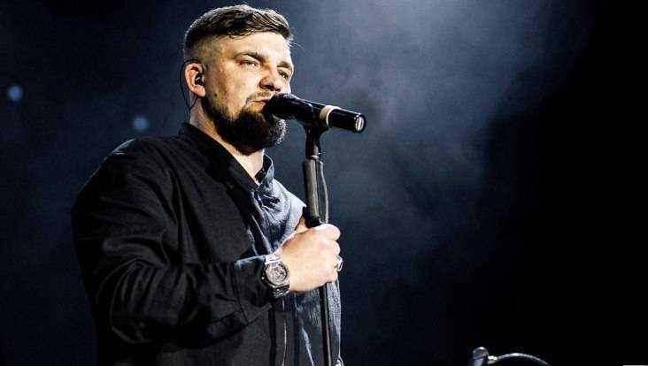 В Брянске отменили осенний концерт рэпера Басты