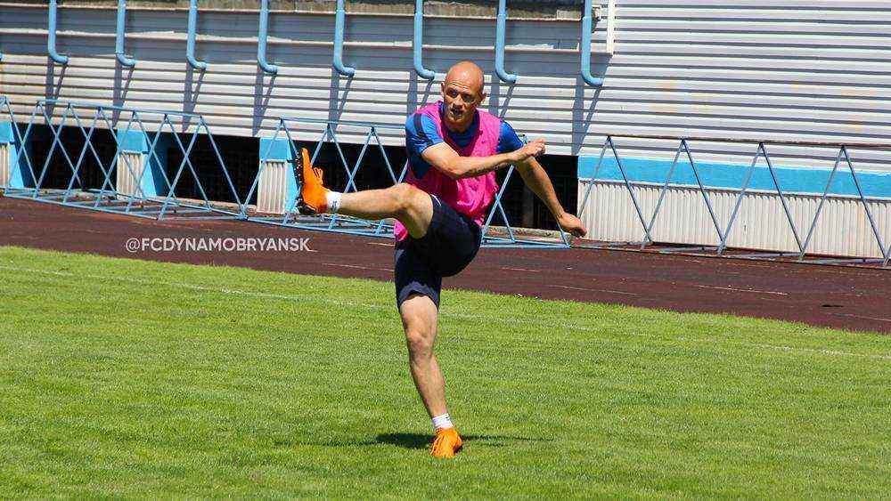Из-за коронавируса брянской «Динамо» опустилось на 7 место