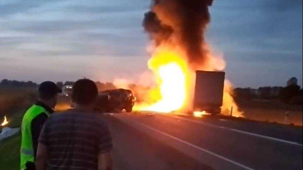В страшном ДТП под Брянском погиб водитель внедорожника