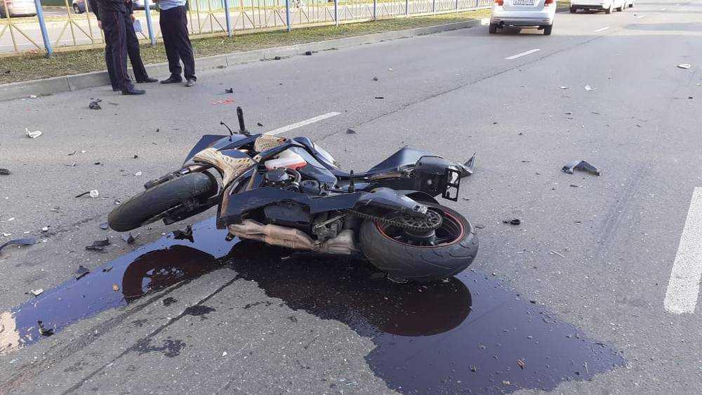 Опубликовано видео убийственного ДТП с мотоциклистом в Брянске