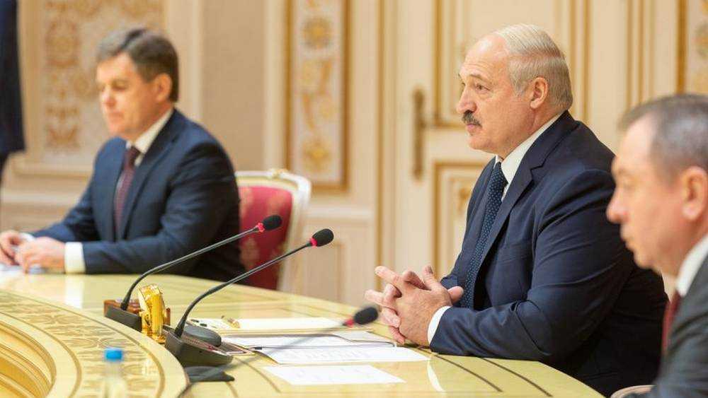 Лукашенко: Брянцы даже сквозь колючую проволоку попадут в Белоруссию