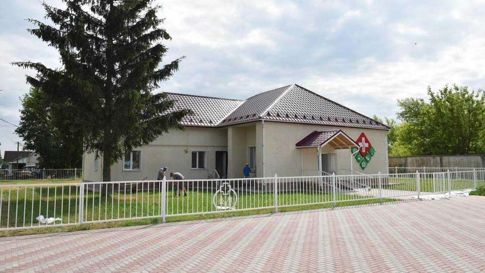 Брянскому поселку Меленск благотворители подарили отделение врача