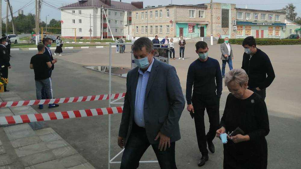 Брянский губернатор Богомаз проголосовал на выборах в Меленске