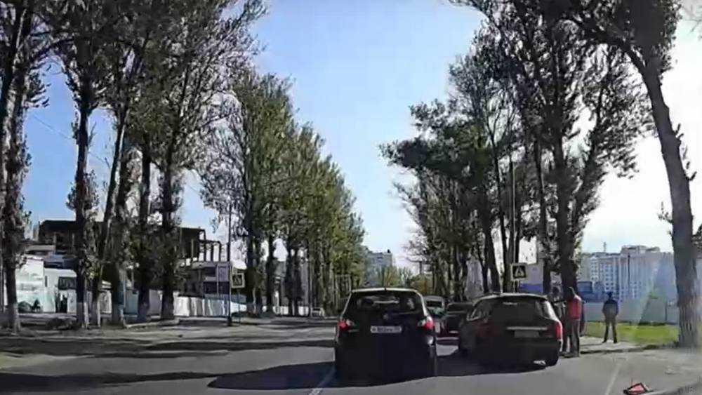 В Брянске возле ТРЦ «Аэропарк» столкнулись четыре автомобиля