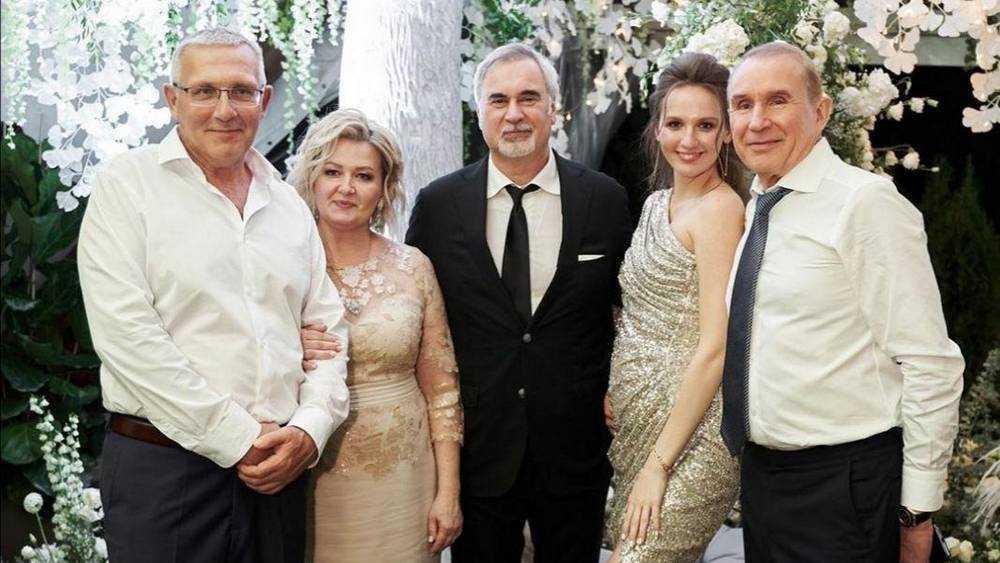 Бывший владелец брянских гипермаркетов «Линия» ушел в медовый год