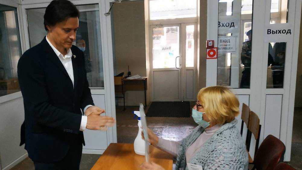 Кандидаты в брянские губернаторы проголосовали на своих участках