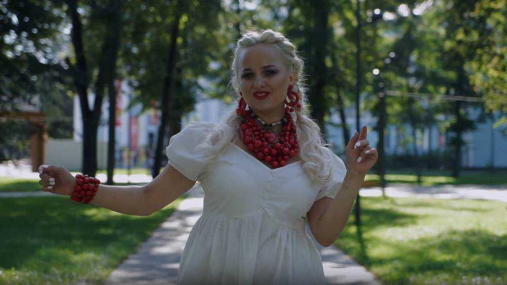 Иванка и Андрей Запецкий показали Брянск в новом клипе