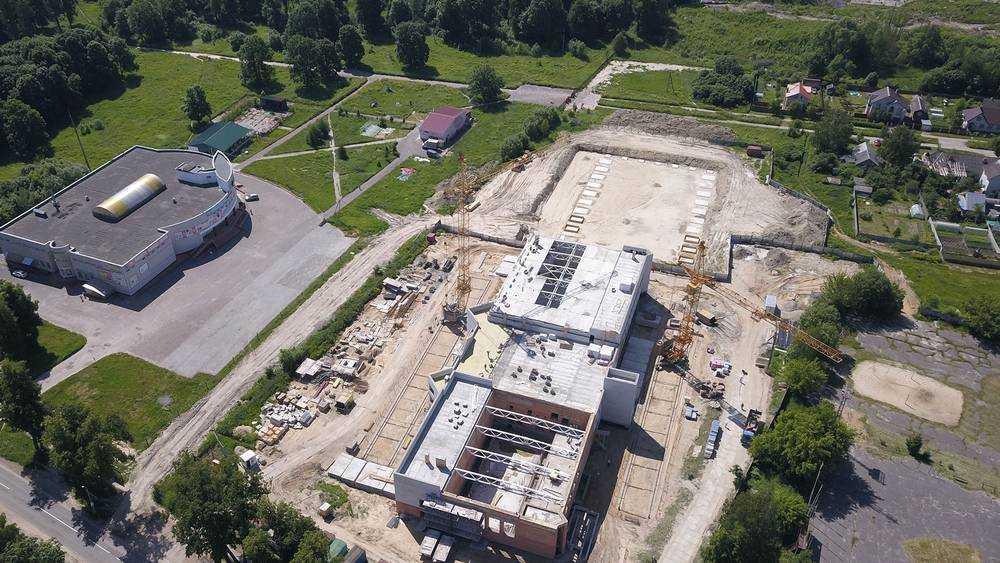 В Дятькове скоро откроется физкультурный комплекс с бассейнами