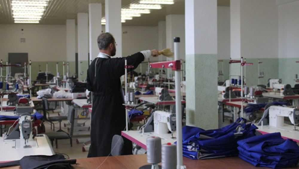 В стародубской колонии открыли современный швейный цех