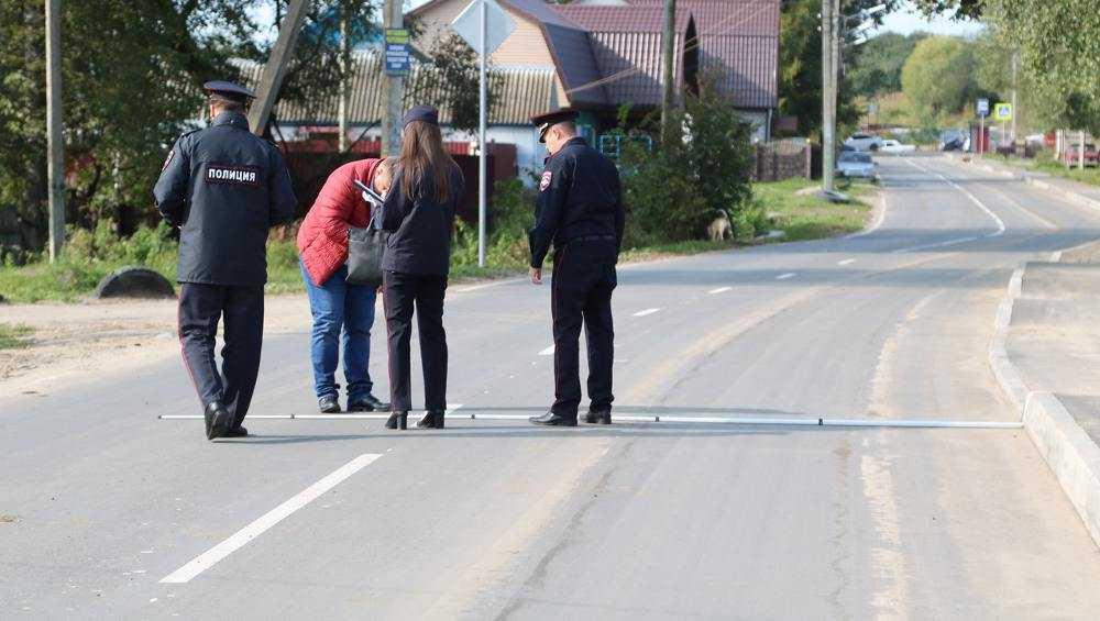 В Брянске на улице Челюскинцев подрядчик исправит огрехи ремонта дороги