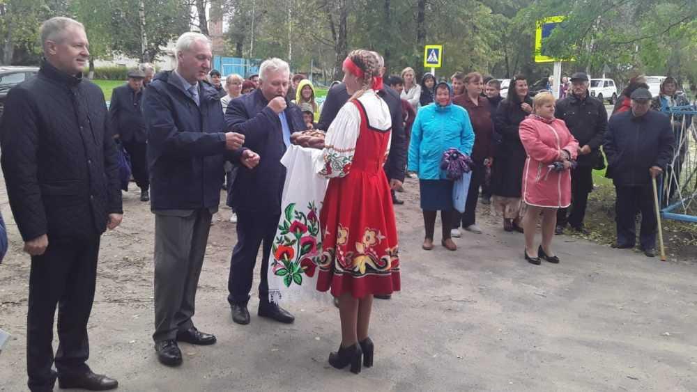 В Погарском районе торжественно открыли сразу два дома культуры после реконструкции