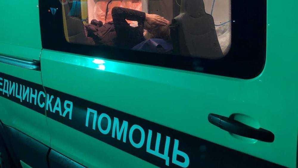 Под Брянском фура врезалась в стоявшую перед светофором «Тойоту»