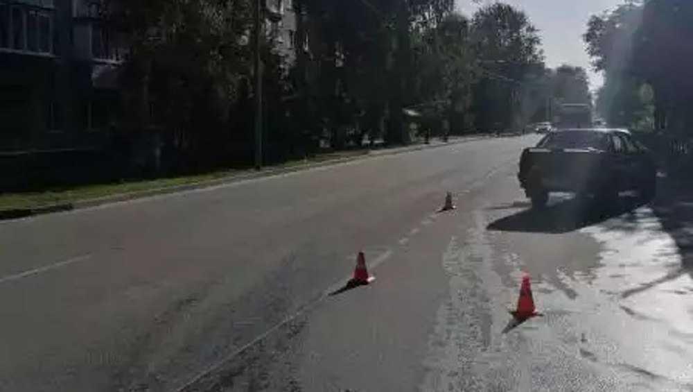 В Брянске автомобилист сбил выскочившего на дорогу 10-летнего ребенка
