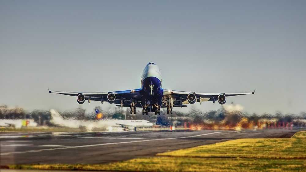«Здравствуй, новый мир»: в самолет будут пускать только после прививки