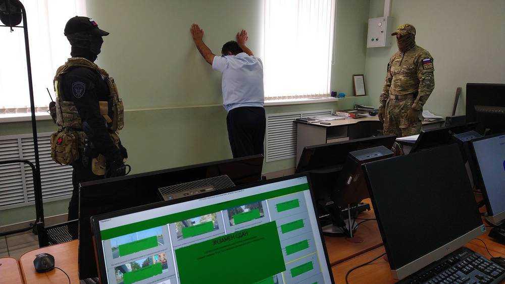 В Брянске посредника взяточников МРЭО отпустили под залог в 500 тысяч