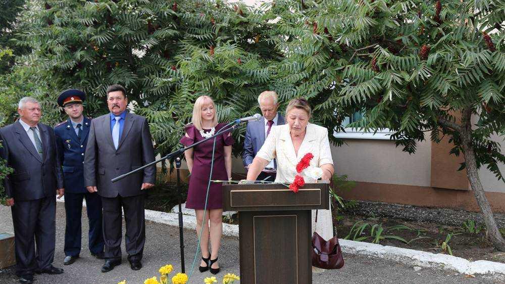 В ИК-2 УФСИН России по Брянской области открыли мемориальную доску первому начальнику учреждения Николаю Новикову