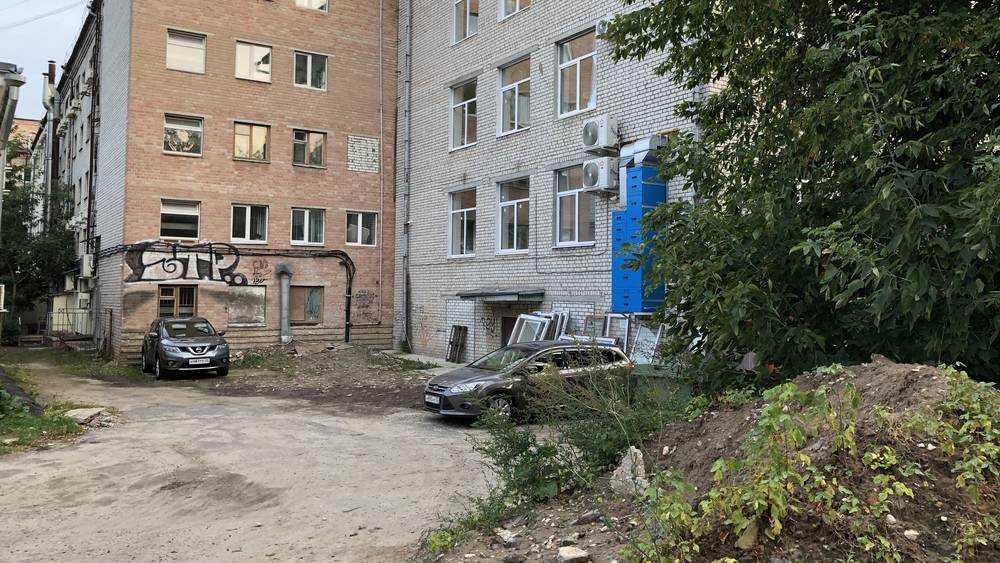 В Брянске в ста метрах от Ленина образовалась мерзость запустения