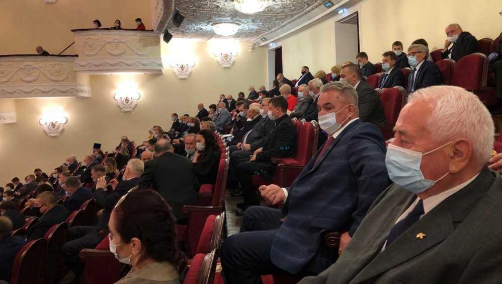 В Брянске в ДК БМЗ началась инаугурация губернатора Александра Богомаза