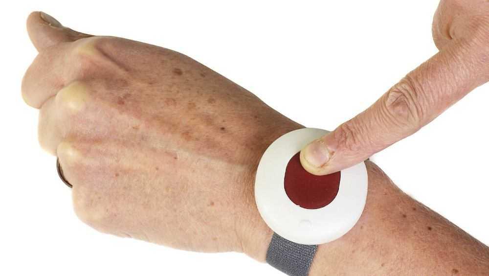 Около 800 пожилых брянцев стали использовать «тревожную кнопку»