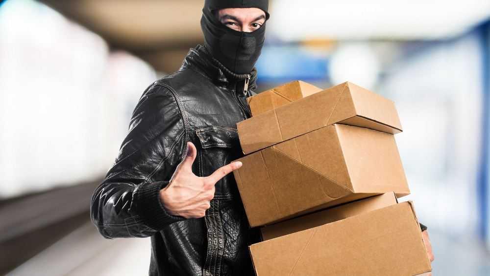 Брянский строитель украл у заказчика материалы и продал их