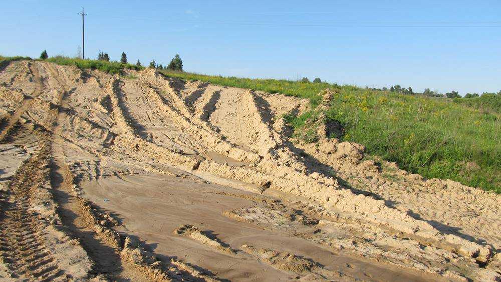 «Брянскавтодор» заплатит 318 тысяч рублей за незаконный песчаный карьер